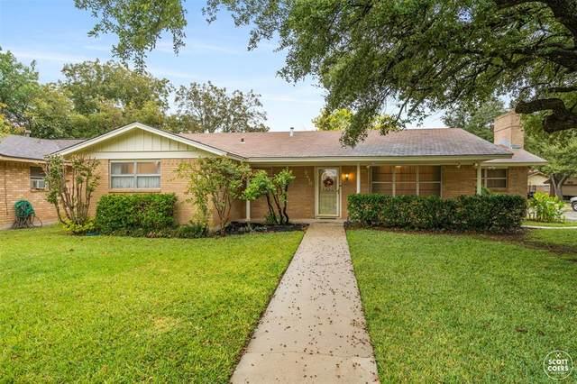 2410 14th Street, Brownwood, TX 76801 (MLS #14459732) :: The Kimberly Davis Group