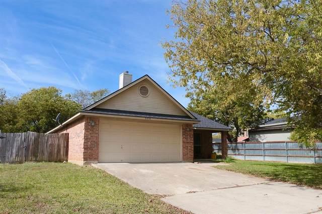 3439 Bewley Street, Haltom City, TX 76117 (MLS #14459850) :: NewHomePrograms.com LLC