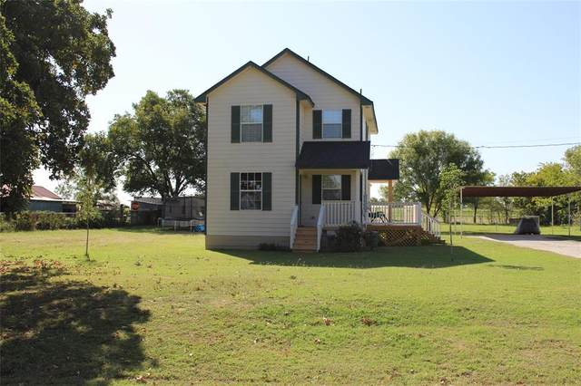 1412 E Highland Avenue, Comanche, TX 76442 (#14460312) :: Homes By Lainie Real Estate Group