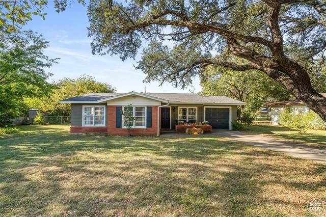 1115 Oakland Drive, Brownwood, TX 76801 (MLS #14460369) :: The Kimberly Davis Group