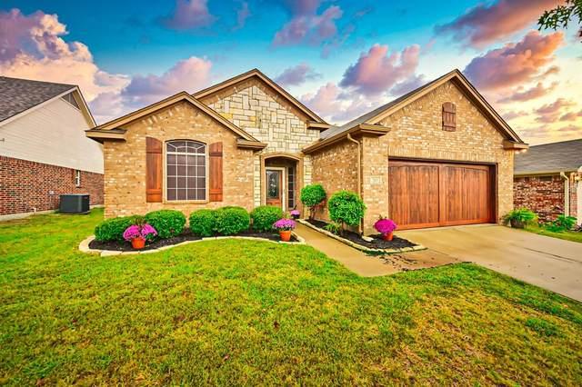 203 Stonegate Boulevard, Alvarado, TX 76009 (MLS #14460565) :: The Good Home Team