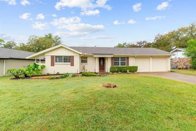 812 Oakwood Drive, Euless, TX 76040 (MLS #14461148) :: Potts Realty Group