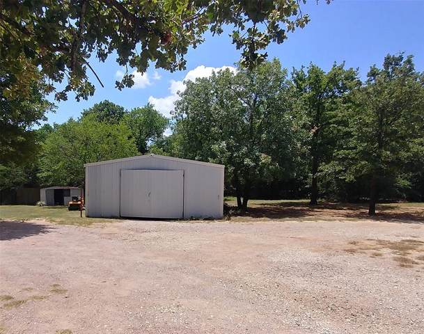 300 Pawnee Drive, Gordonville, TX 76245 (MLS #14461623) :: The Kimberly Davis Group