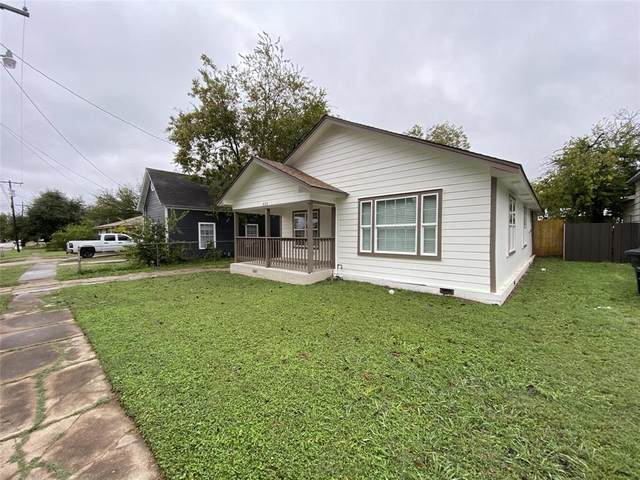 821 N Robinson Street, Cleburne, TX 76031 (MLS #14462086) :: The Good Home Team