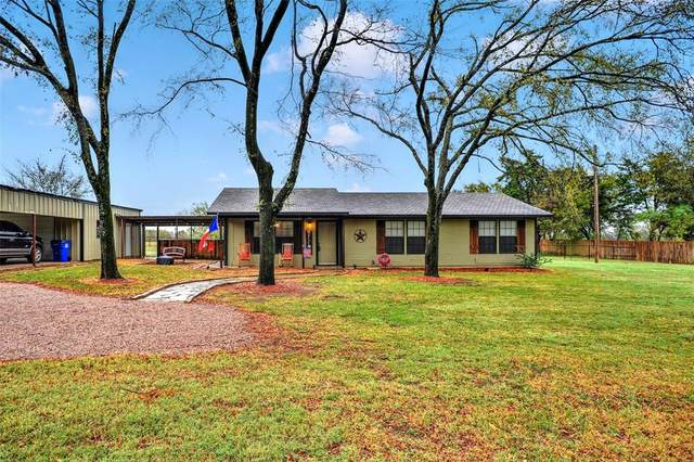 1223 Yowell Road, Whitesboro, TX 76273 (MLS #14462149) :: The Kimberly Davis Group