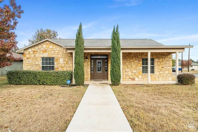 2110 8th Street, Brownwood, TX 76801 (MLS #14462391) :: The Mauelshagen Group