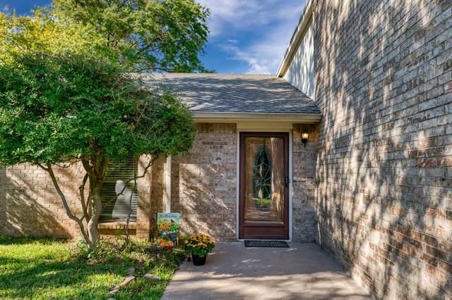 715 Hinsdale Drive, Arlington, TX 76006 (MLS #14462425) :: The Paula Jones Team | RE/MAX of Abilene