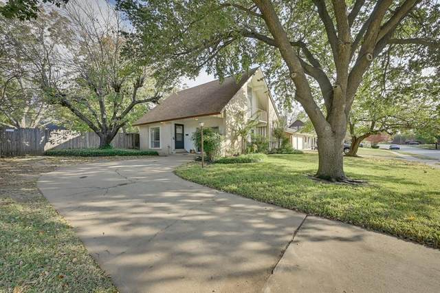 1501 Finley Road, Irving, TX 75062 (#14462746) :: Homes By Lainie Real Estate Group