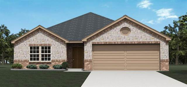 705 Navasota, Crandall, TX 75114 (MLS #14463350) :: The Paula Jones Team | RE/MAX of Abilene