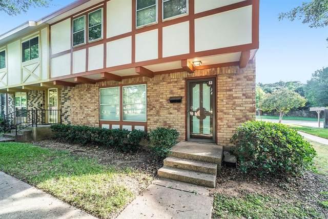 384 Westview Terrace, Arlington, TX 76013 (MLS #14463399) :: The Chad Smith Team
