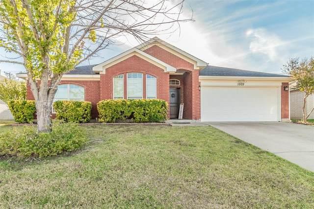 1009 Andrew Street, Burleson, TX 76028 (MLS #14463535) :: Hargrove Realty Group