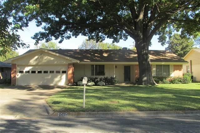 2010 Bowling Green Street, Denton, TX 76201 (MLS #14464344) :: The Tierny Jordan Network