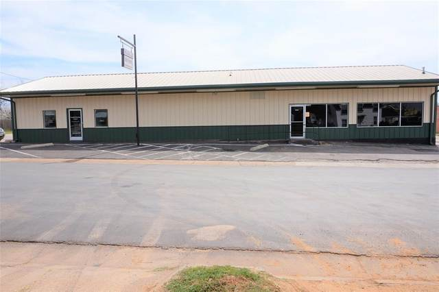 1310 Third, Graham, TX 76450 (MLS #14465532) :: The Mitchell Group