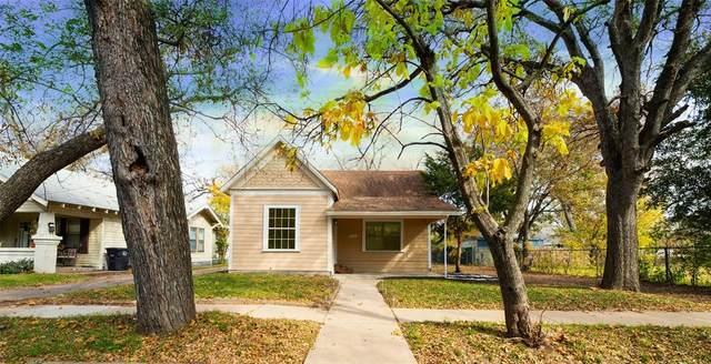 914 N Anglin Street, Cleburne, TX 76031 (MLS #14466577) :: NewHomePrograms.com LLC
