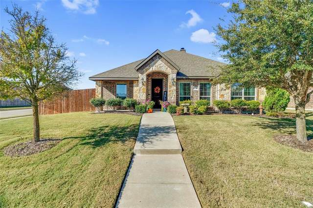 3051 Carlton Parkway, Waxahachie, TX 75165 (MLS #14468901) :: Real Estate By Design