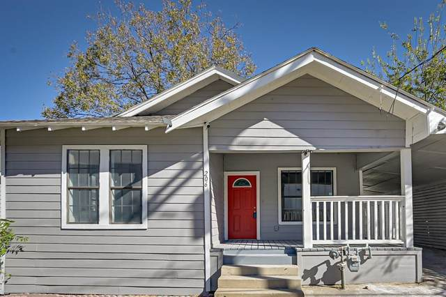 206 N Patton Avenue, Dallas, TX 75203 (MLS #14468934) :: Frankie Arthur Real Estate