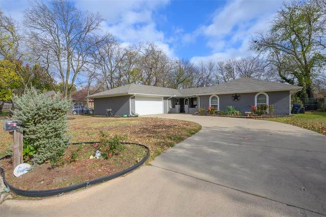 2204 Yorkshire Street, Denton, TX 76209 (#14469163) :: Homes By Lainie Real Estate Group