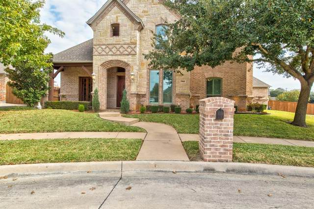 7904 Forest Ridge Court, North Richland Hills, TX 76182 (MLS #14469173) :: NewHomePrograms.com LLC