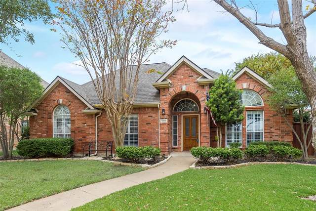 1212 Greenway Drive, Allen, TX 75013 (#14469785) :: Homes By Lainie Real Estate Group