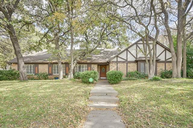 513 Highwoods Trail, Fort Worth, TX 76112 (MLS #14470199) :: The Kimberly Davis Group