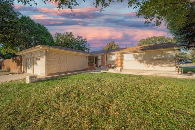 7628 Oxley Drive, Richland Hills, TX 76118 (#14470388) :: Homes By Lainie Real Estate Group