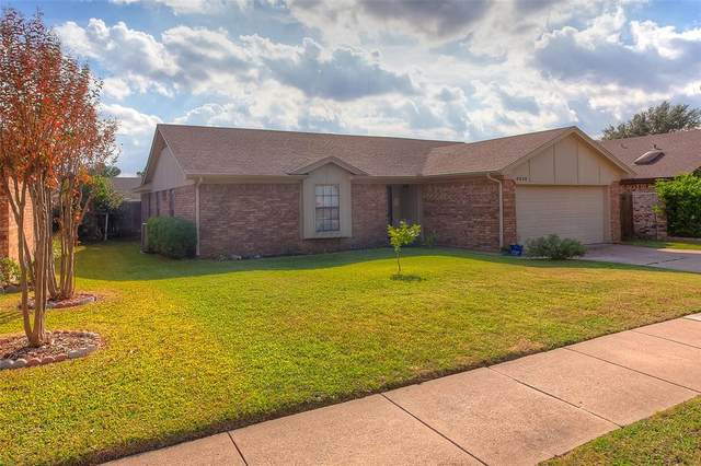 6628 Inwood Drive, Watauga, TX 76148 (MLS #14471720) :: Keller Williams Realty