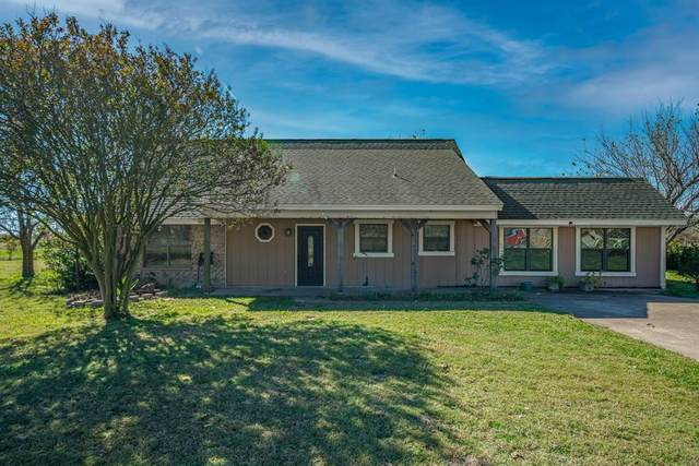 1150 Country Lane, Oak Ridge, TX 75142 (MLS #14471823) :: The Hornburg Real Estate Group