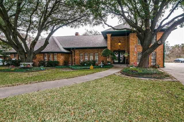 2909 Club Meadow Drive, Garland, TX 75043 (MLS #14472405) :: The Chad Smith Team
