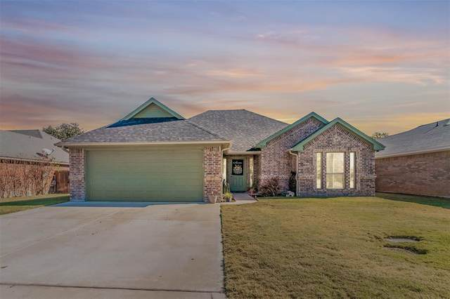 908 King Street, Weatherford, TX 76086 (MLS #14472580) :: The Kimberly Davis Group