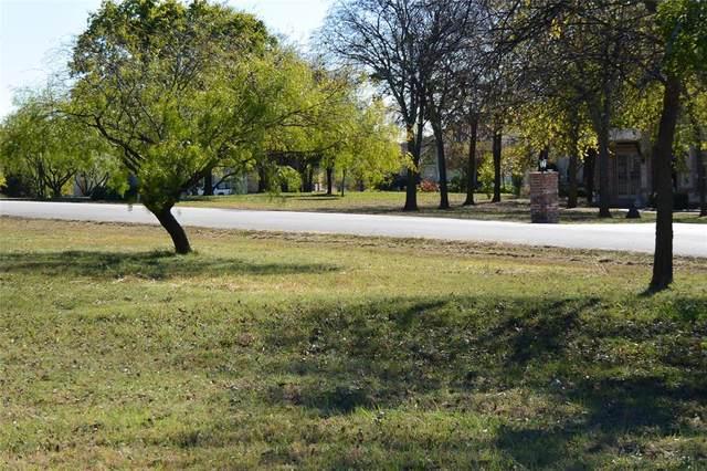 6005 Pinnacle Circle, Little Elm, TX 75068 (MLS #14472878) :: Real Estate By Design