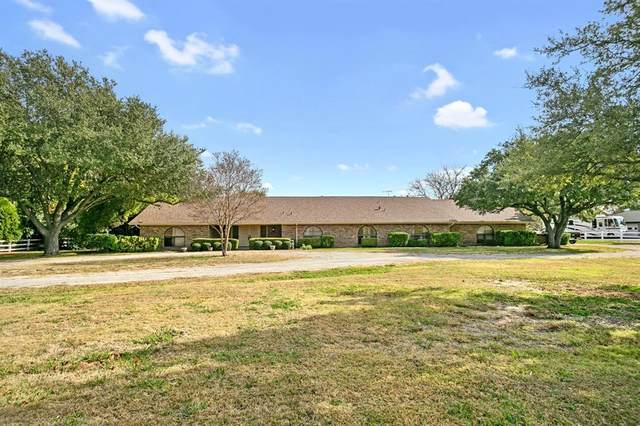 3943 Ranch Estates Drive, Plano, TX 75074 (#14472883) :: Homes By Lainie Real Estate Group