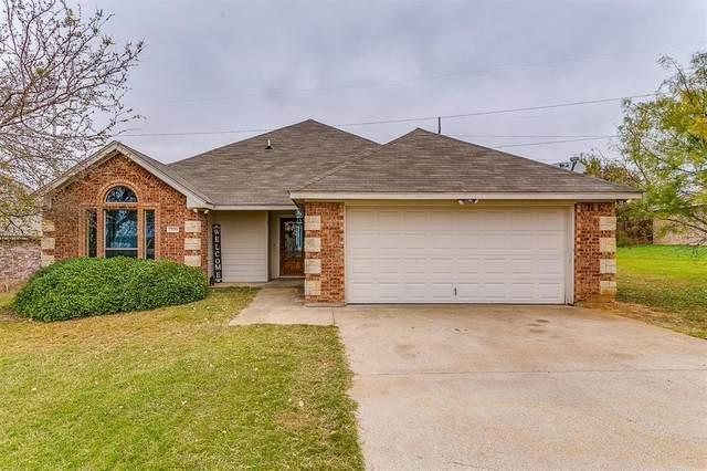 7330 Mistletoe, Granbury, TX 76048 (MLS #14472999) :: The Kimberly Davis Group