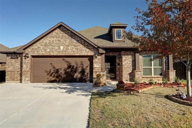 1117 Broken Wheel Trail, Aubrey, TX 76227 (MLS #14474570) :: Real Estate By Design