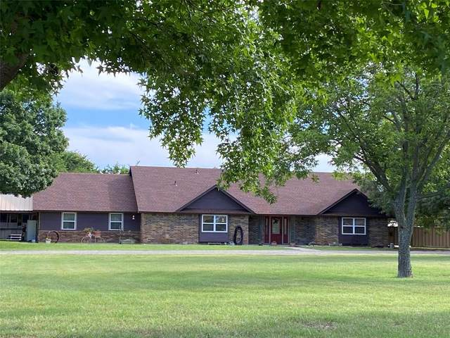 250 Meadow Brook Court, Springtown, TX 76082 (MLS #14475114) :: The Kimberly Davis Group