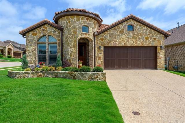 2901 Bella Lago Drive, Denton, TX 76210 (MLS #14475159) :: The Paula Jones Team | RE/MAX of Abilene