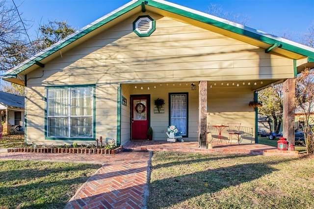 606 W Bridge Street, Weatherford, TX 76086 (MLS #14475326) :: Premier Properties Group of Keller Williams Realty