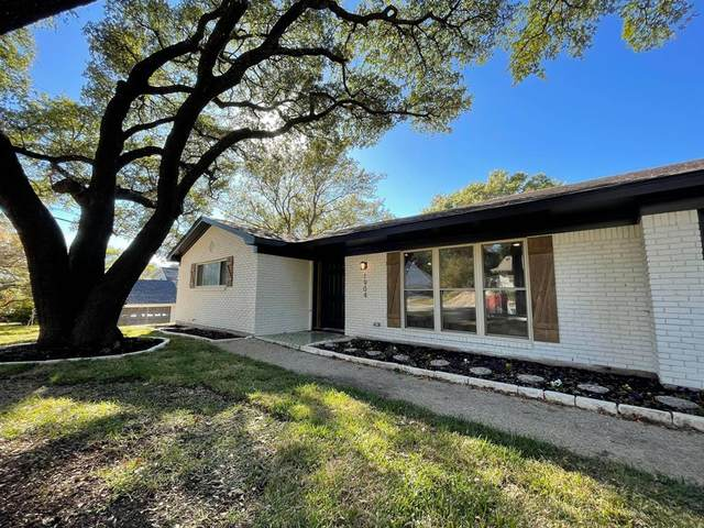 1904 Malibar Road, Fort Worth, TX 76116 (MLS #14475364) :: The Mauelshagen Group