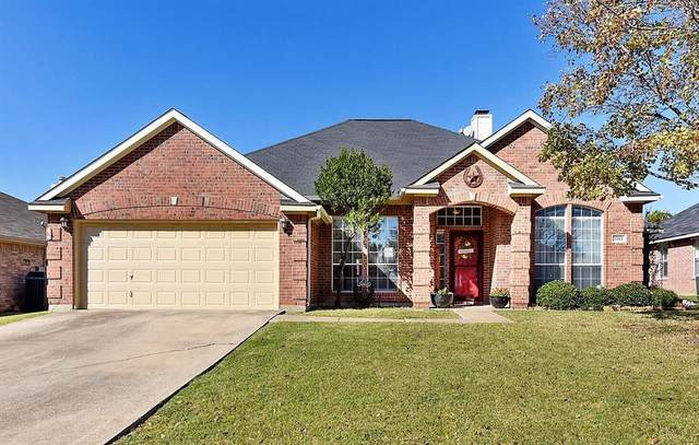 1513 Brittany Lane, Mansfield, TX 76063 (MLS #14475512) :: Real Estate By Design