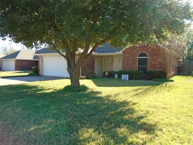 1723 Ridgecrest Drive, Cleburne, TX 76033 (MLS #14475622) :: The Mauelshagen Group