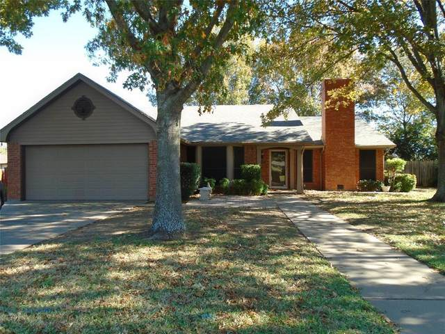 304 Westmeadow Drive, Cleburne, TX 76033 (MLS #14475632) :: The Mauelshagen Group
