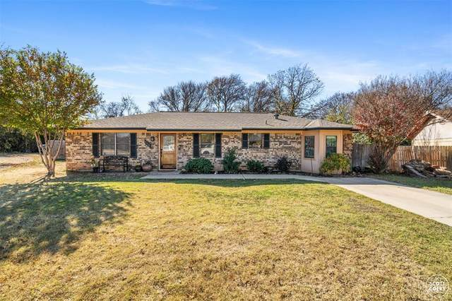 116 Bowie Circle, Brownwood, TX 76801 (MLS #14475666) :: The Kimberly Davis Group