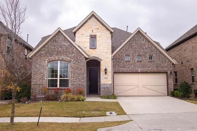 1912 Remington Drive, Irving, TX 75063 (#14475933) :: Homes By Lainie Real Estate Group