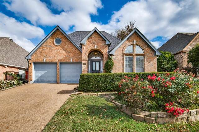 728 Olde Towne Drive, Irving, TX 75061 (#14476228) :: Homes By Lainie Real Estate Group