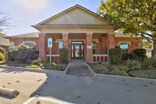 217 N Ridgeway Drive, Cleburne, TX 76033 (MLS #14476290) :: Premier Properties Group of Keller Williams Realty