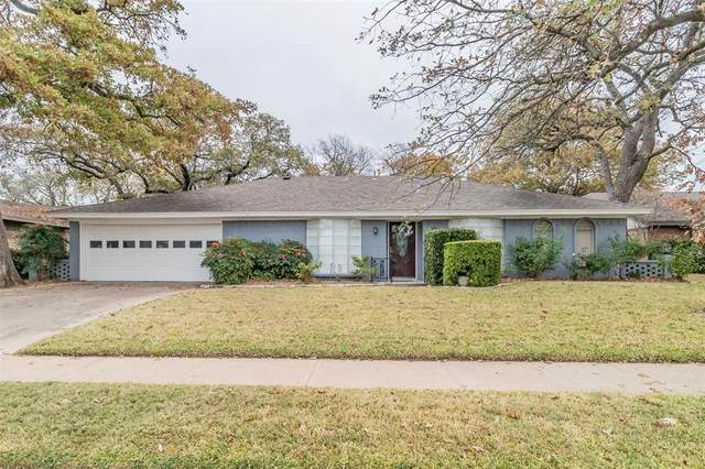 833 Spring Lake Drive, Bedford, TX 76021 (MLS #14476442) :: Premier Properties Group of Keller Williams Realty