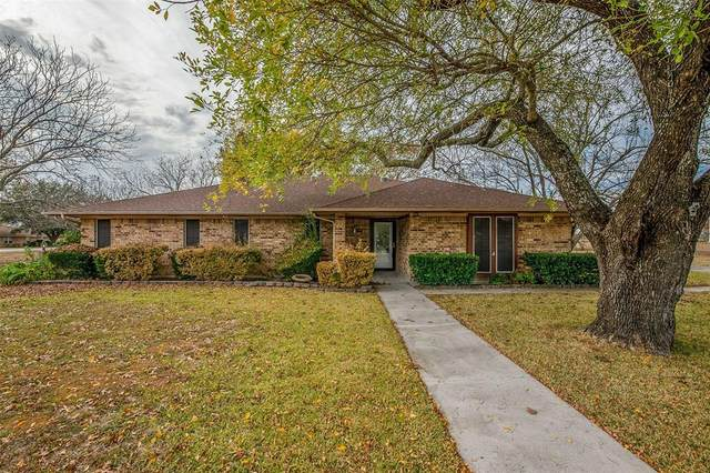 207 Sunrise Drive, Waxahachie, TX 75165 (MLS #14476572) :: The Mitchell Group