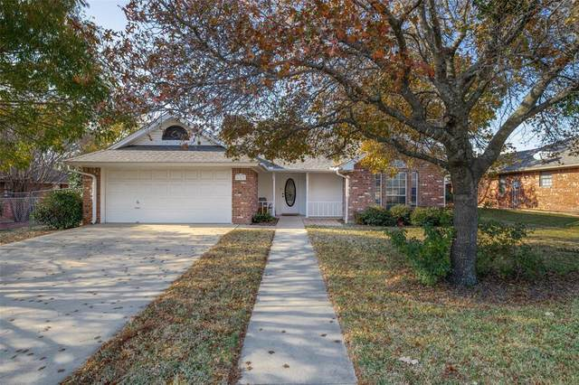 667 Maplewood Drive, Stephenville, TX 76401 (MLS #14476727) :: The Mauelshagen Group