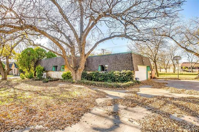 7311 Ravenswood Road, Granbury, TX 76049 (MLS #14477342) :: The Kimberly Davis Group