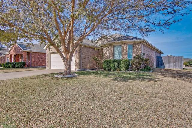 1236 Sweetwater Drive, Burleson, TX 76028 (MLS #14477482) :: Real Estate By Design
