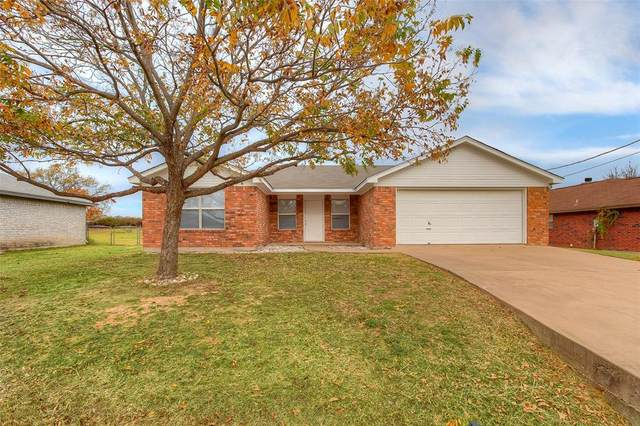 4029 Country Meadows Circle, Granbury, TX 76049 (MLS #14477790) :: The Kimberly Davis Group